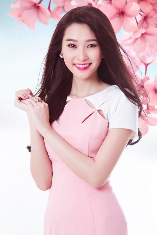 Nhung my nhan Viet co lan da trang khong ti vet hinh anh 4 Hoa hậu Đặng Thu Thảo gây chú ý bởi vóc dáng cân đối, gương mặt đẹp không tì vết và làn da trắng mịn.