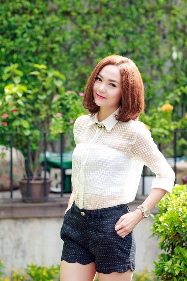 Nhung my nhan Viet co lan da trang khong ti vet hinh anh 7 Minh Hằng ngày càng trẻ trung, xinh đẹp nhờ làn da trắng mịn đầy sức sống.