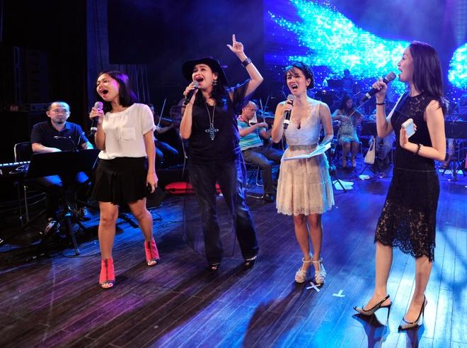 Hong Nhung, Thanh Lam doi lap phong cach tren san khau hinh anh 12      Bốn nữ ca sĩ sẽ cùng hòa giọng trong một tiết mục đặc biệt.