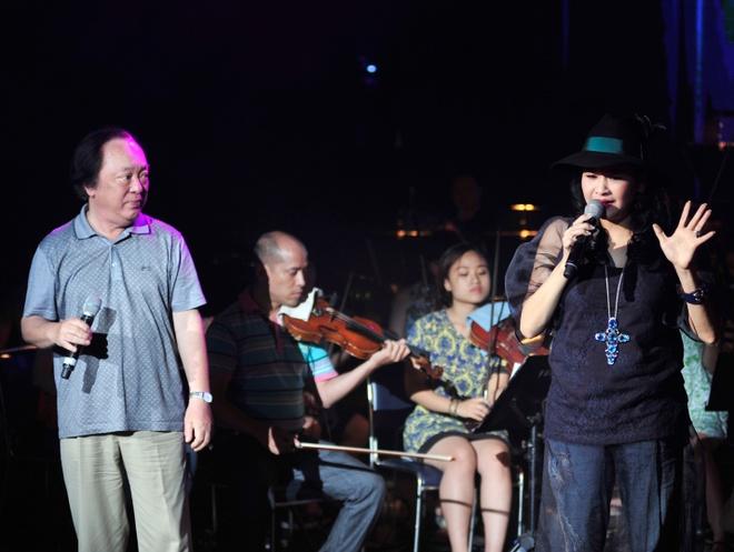 Hong Nhung, Thanh Lam doi lap phong cach tren san khau hinh anh 8      Giọng ca cổ điển số 1 của nhạc Việt hòa tiếng hát với diva nhạc nhẹ, điều này sẽ đem đến trải nghiệm âm nhạc bất ngờ cho người nghe.