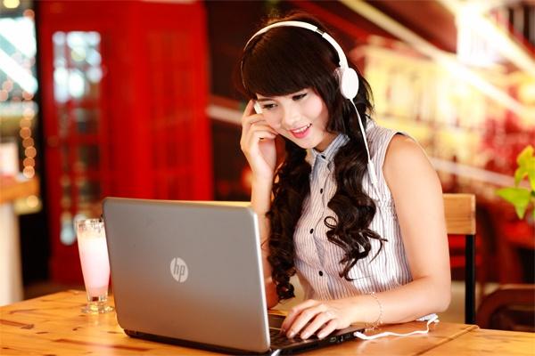 HP 14 - Laptop gia mem, cau hinh tot cho sinh vien hinh anh