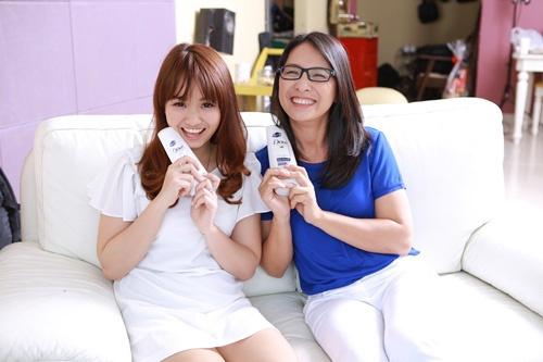 Bi quyet cham soc toc mua kho hinh anh 4 Kem xả cung cấp độ ẩm và các dưỡng chất cần thiết cho tóc.