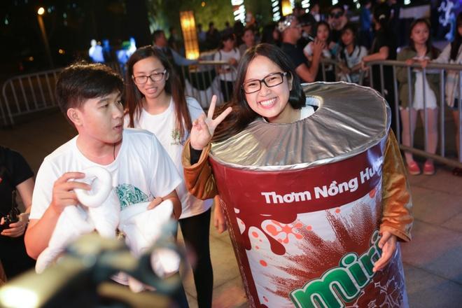 Tran Thanh cover hit cua Hari Won tang hang nghin khan gia hinh anh 6