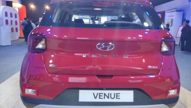SUV sieu nho Hyundai Venue trinh lang tai An Do, nhan 15.000 don hang hinh anh 4