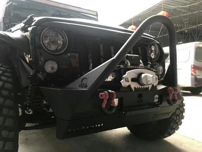 Jeep Wrangler Rubicon ham ho voi goi do offroad gan 600 trieu hinh anh 3