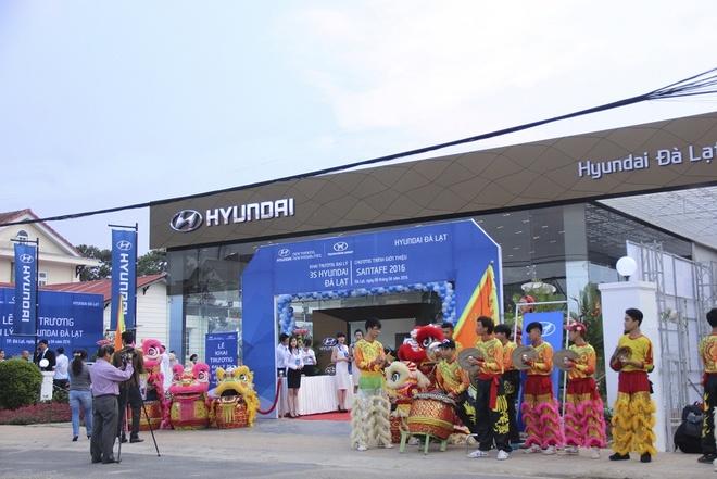 Hyundai Thanh Cong khai truong 4 dai ly moi hinh anh 3