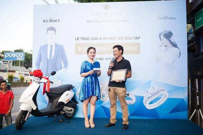 Skymond Luxury trao xe Piaggio Zip cho khach hang may man hinh anh 4