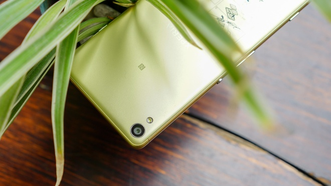 Ly do Sony Xperia XA hut nguoi dung du da ra mat nua nam hinh anh 3