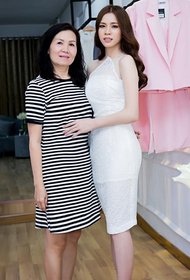 Luxy Nguyen anh 7