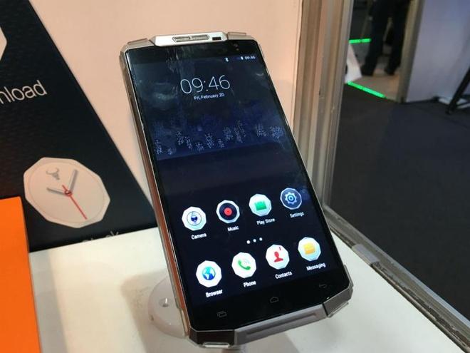 OUVI 10000 - smartphone kiem sac du phong dung luong lon hinh anh 1