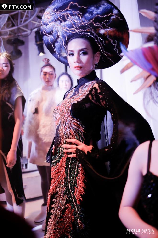 Vo Hoang Yen do dang ben quan quan Top Model Asia Award hinh anh 1