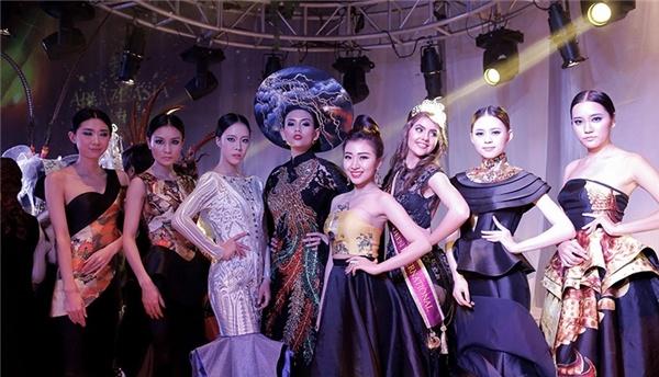 Vo Hoang Yen do dang ben quan quan Top Model Asia Award hinh anh 8