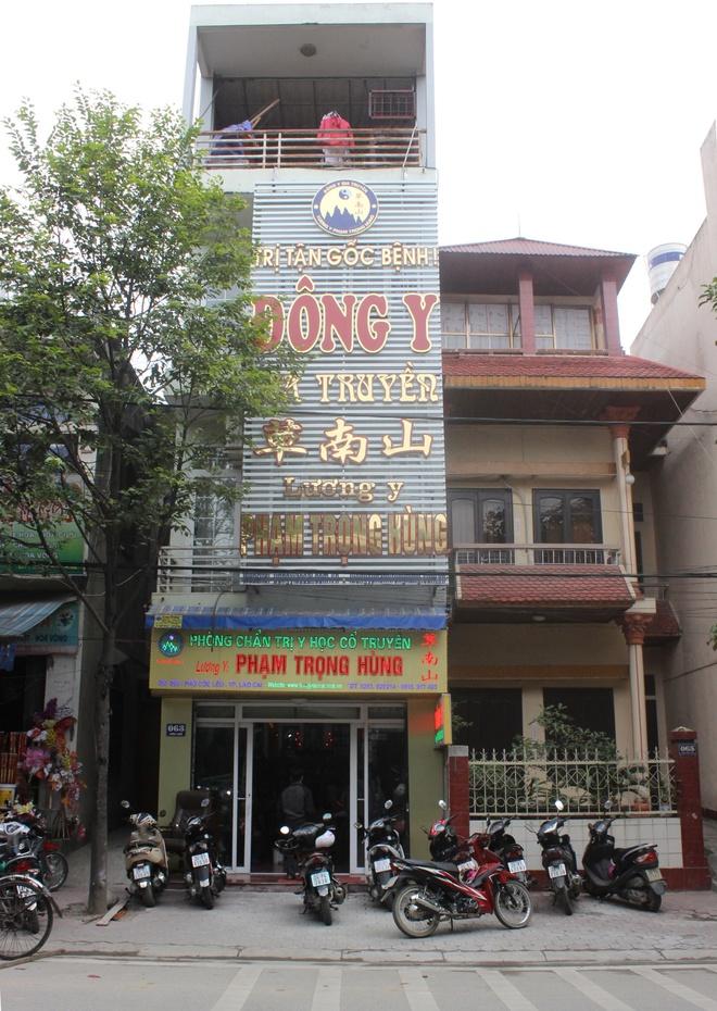 Luong y pho nui Lao Cai tri benh khop hinh anh 1