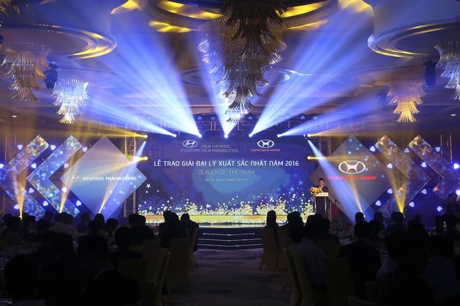 Hyundai Thanh Cong vinh danh dai ly tieu bieu 2016 hinh anh 2