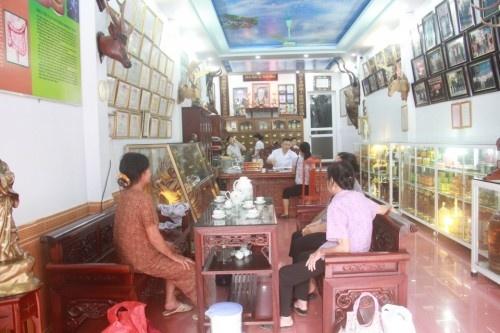 Luong Y Pham Trong Hung voi bai thuoc chua khop 7 doi hieu qua hinh anh 3