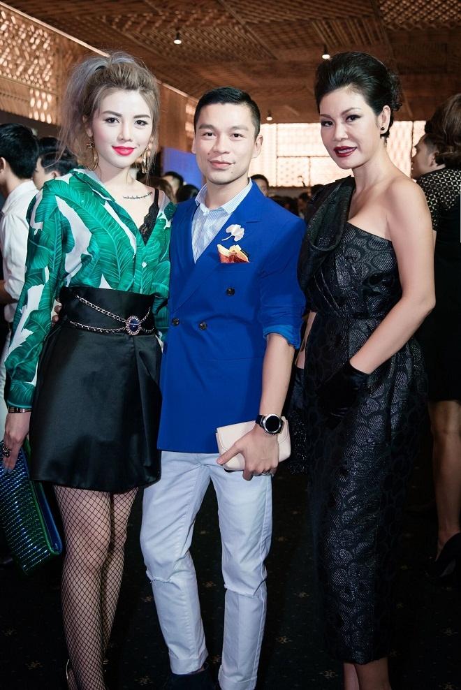 TGD Thea Beauty Solutions hoi ngo dan sao Viet tren tham do VIFW 2017 hinh anh 8