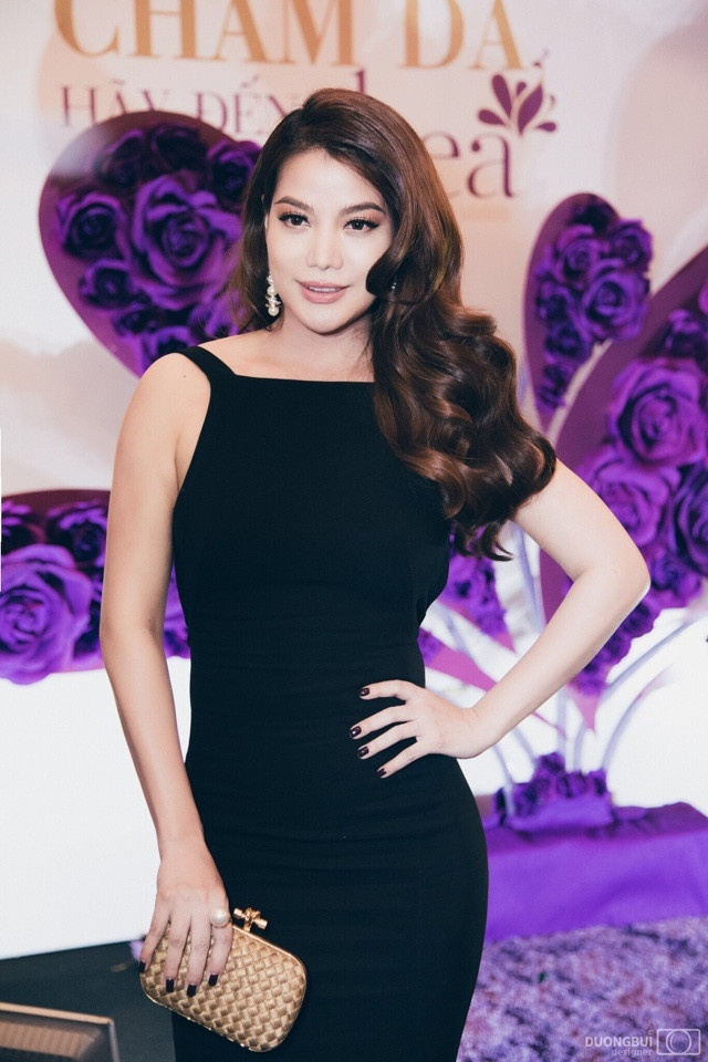 TGD Thea Beauty Solutions hoi ngo dan sao Viet tren tham do VIFW 2017 hinh anh 7