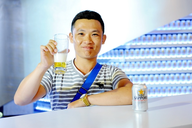 Sapporo Premium Beer anh 1
