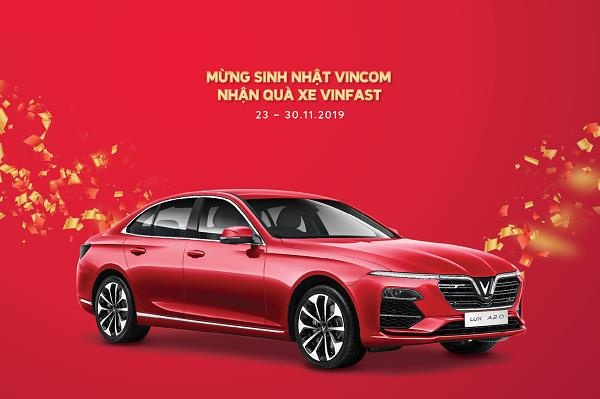 Vincom tang Vinfast Lux A2.0 1 ty dong mung 15 nam thanh lap hinh anh 1