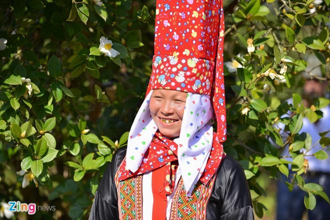 Nguoi dan Binh Lieu tro tai nu cong gia chanh tai hoi hoa so hinh anh 16