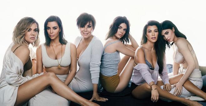 Kylie Jenner tro thanh nguoi giau nhat gia dinh Kardashian o tuoi 21 hinh anh 1