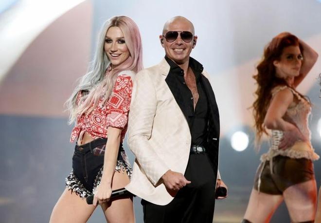 Hit moi cua iKon bi cho la giong het 'Timber' cua Kesha va Pitbull hinh anh 1