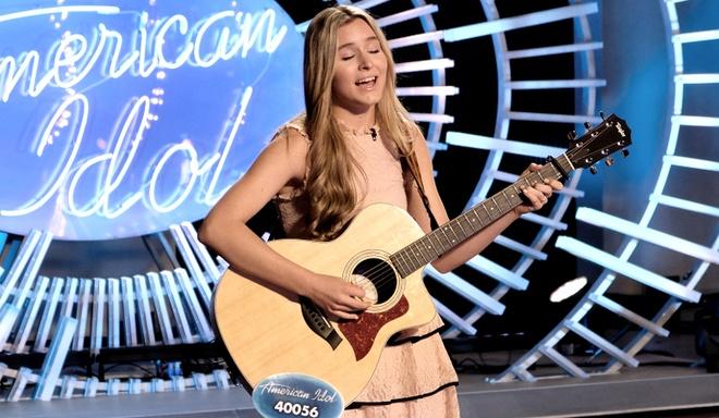 Tham hoa hat quoc ca My gay 'sung so' tai American Idol hinh anh 1