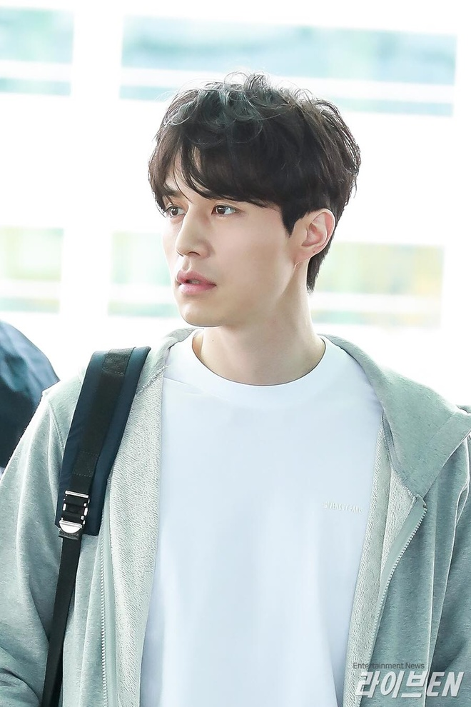 Lee Dong Wook xuat hien met moi, luom thuom sau xac nhan hen ho Suzy hinh anh 5