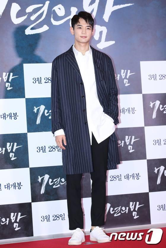 Jang Dong Gun moi dan sao hang A du tham do cong chieu phim moi hinh anh 13