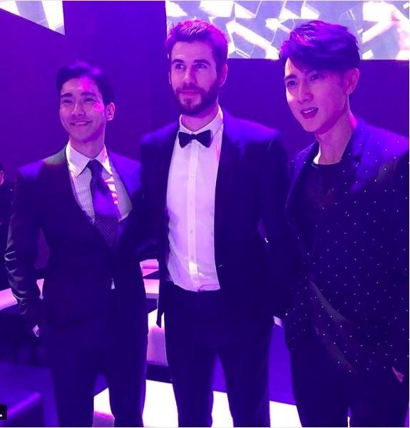 Liam Hemsworth hoi ngo Choi Si Won va Ngo Ton o Hong Kong hinh anh 5