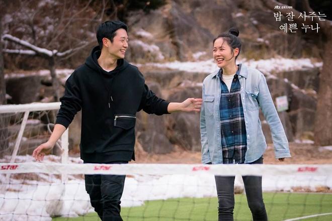 Son Ye Jin mac chat nhu the nao trong 'Chi dep mua com ngon cho toi' hinh anh 15