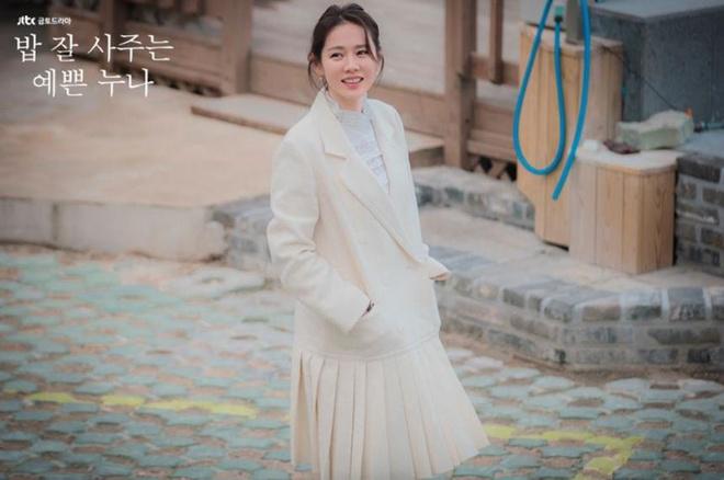 Son Ye Jin mac chat nhu the nao trong 'Chi dep mua com ngon cho toi' hinh anh 14