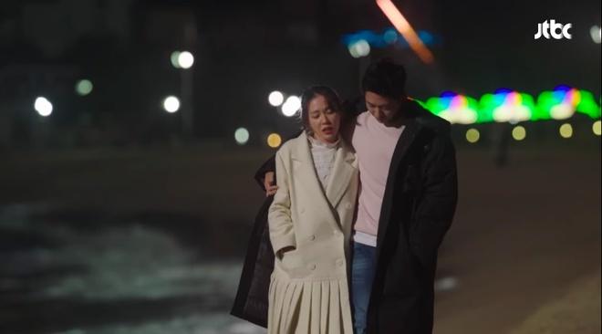 'Chi dep mua com' tap 4: Jin Ah co nu hon dau voi em trai cua ban than hinh anh 8