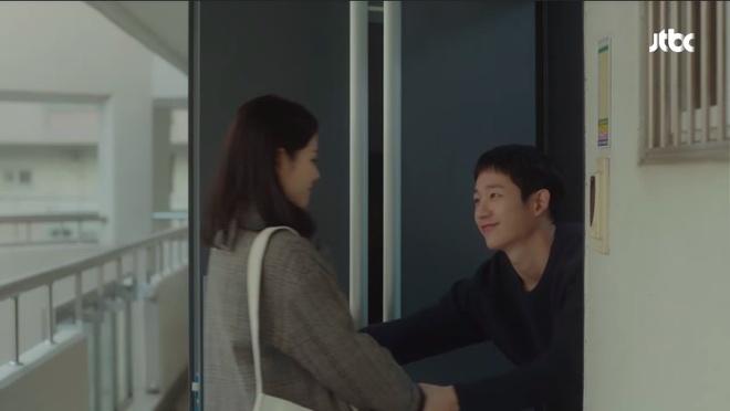 'Chi dep mua com' tap 4: Jin Ah co nu hon dau voi em trai cua ban than hinh anh 10