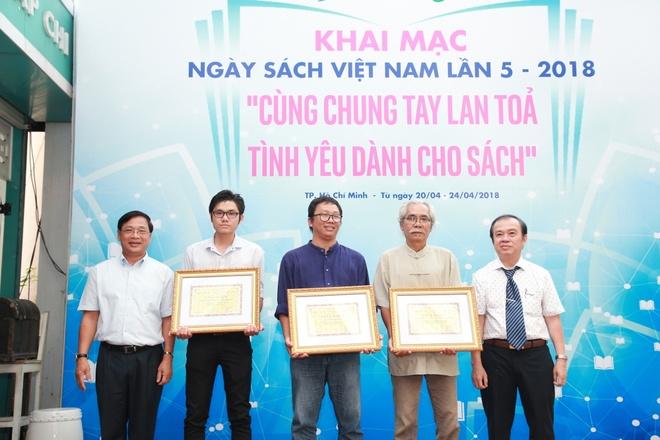 Ngay Sach Viet Nam lan thu 5: Lan toa van hoa doc va tinh yeu sach hinh anh 3
