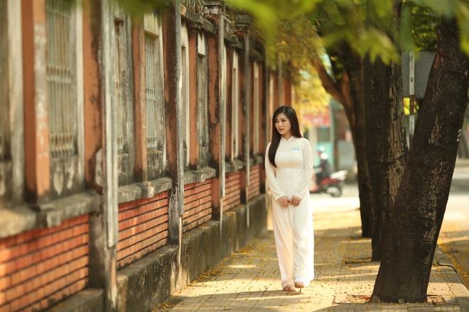 Huong Tram 'Nhan gui thanh xuan' trong phim 'Em gai mua' hinh anh 2