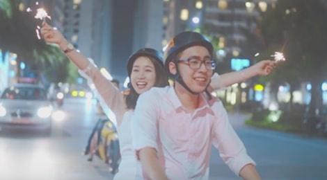Chu nhan hit 'Nguoi am phu' ra mat MV dau tay lang man nhu phim Han hinh anh