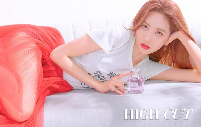 Suzy va my nhan Han dien sac trang tren tap chi thoi trang thang 6 hinh anh