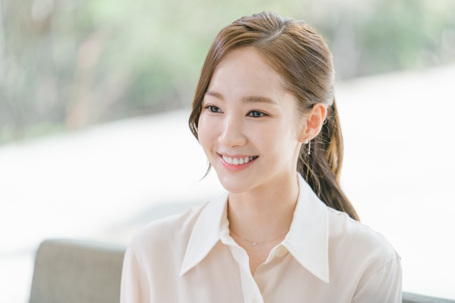 ban dien park min young anh 2
