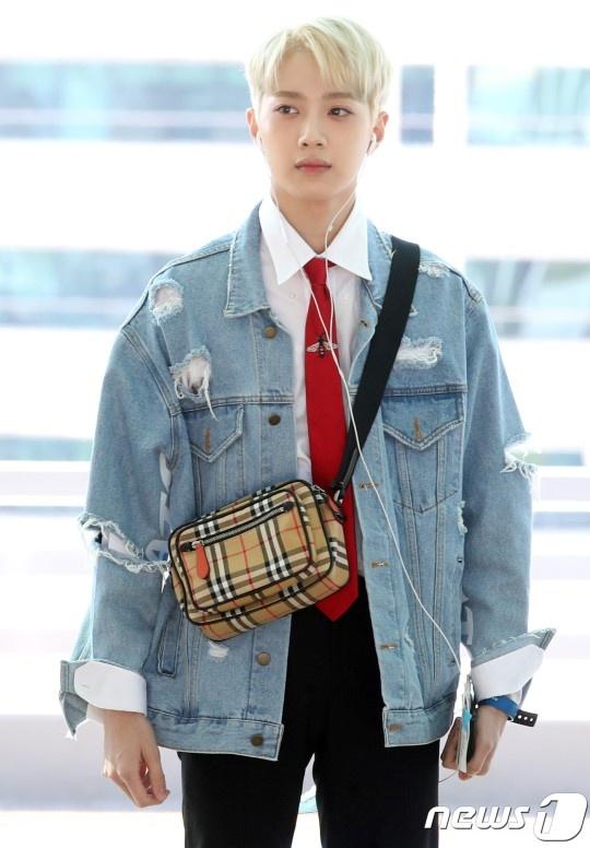 Lee Young Ae va hot boy 17 tuoi cua WANNA ONE thu hut chu y o san bay hinh anh 7
