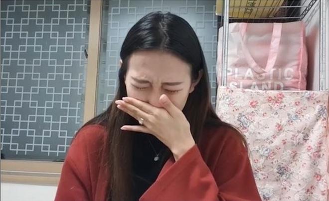 Chu studio dinh be boi tinh duc chan dong showbiz Han tu tu hinh anh