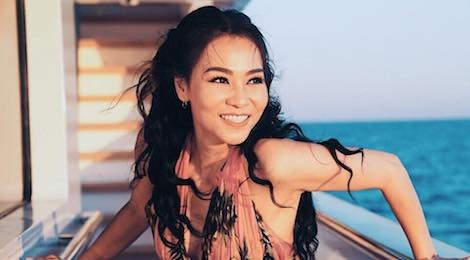 MV khoe hang hieu va cuoc song xa xi cua Thu Minh hay do the nao? hinh anh