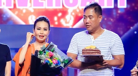 Vo chong Cam Ly - Minh Vy ky niem 14 nam cuoi tren san khau hinh anh