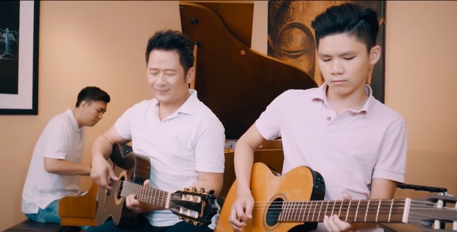 Con trai Bang Kieu dem dan cho bo cover hit 'Nguoi hay quen em di' hinh anh