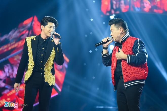 Toc Tien van quyen ru khi mac ao dai, lan at thi sinh The Voice 2018 hinh anh 6