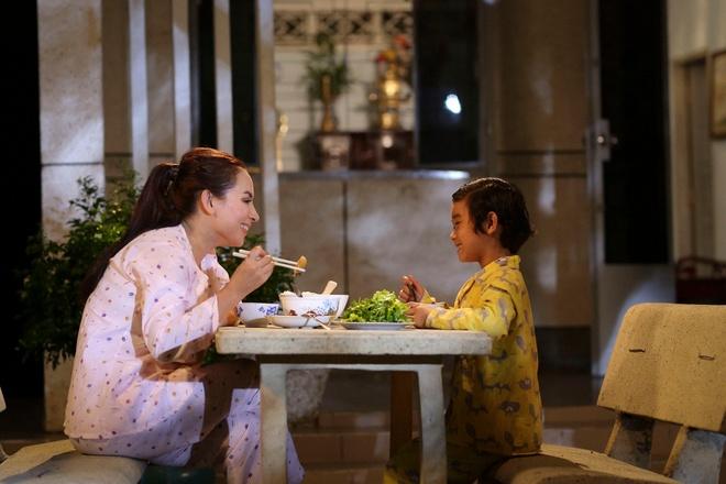 Phi Nhung ra mat MV 'Phan mo coi', len an van nan bo roi tre so sinh hinh anh 1