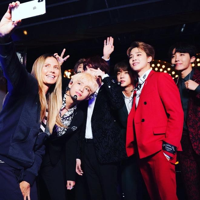Tyra Banks hao hung nhay vu dao 'IDOL' cung BTS o America's Got Talent hinh anh 2