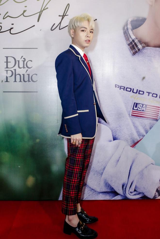 Hoa Minzy, Erik treu choc Duc Phuc trong ngay ra mat MV moi hinh anh 1