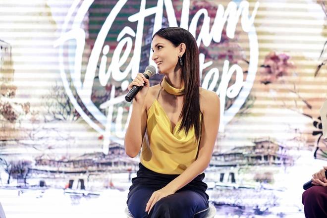 Sieu mau Asia's Next Top Model den Viet Nam quay show du lich Viet Nam hinh anh 2