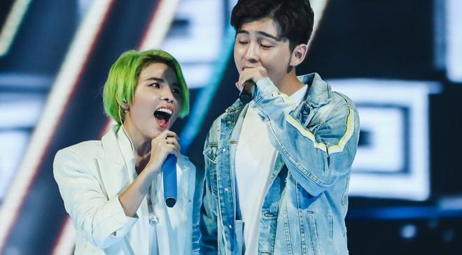 Vu Cat Tuong song ca hot boy Malaysia trong concert hoanh trang hinh anh